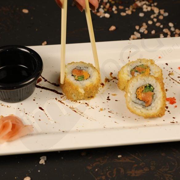 Black Plate Sushi Roll Profesyonel Fotoğraf Çekimi