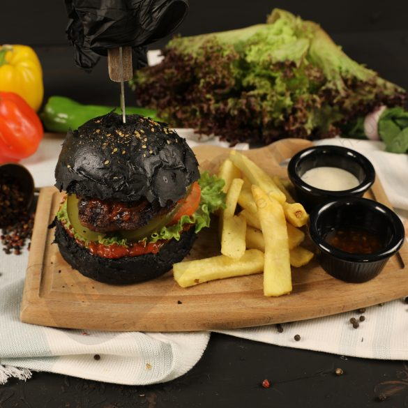 Black Plate Black Hamburger